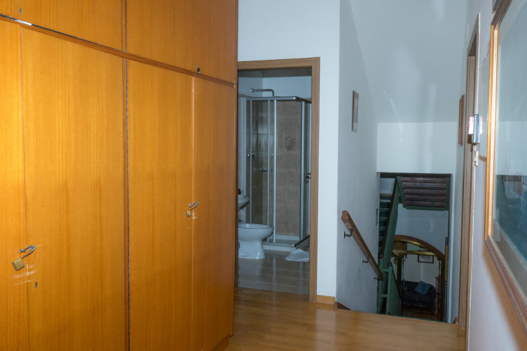 Bagno In Comune Hotel : Bagni in comune delle camere dalla numero alla numero u hotel